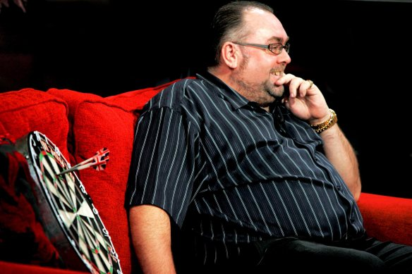 manchester evening news 15/01/09 shift sport darts tony o'shea on channel m breakfast show picture by simon pendrigh