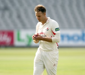 LANCASHIRE COUNTY CRICKET CLUB Emirates Old Trafford LV= County Championship LANCS V GLOUCESTERSHIRE 10/05/15 Day1 Kyle Jarvis bowling