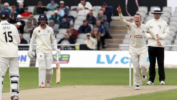 LANCASHIRE COUNTY CRICKET CLUB Emirates Old Trafford LV= County Championship LANCS V GLOUCESTERSHIRE 12/05/15 Day3 peter Siddle bowling takes the wicket of Dent for 7