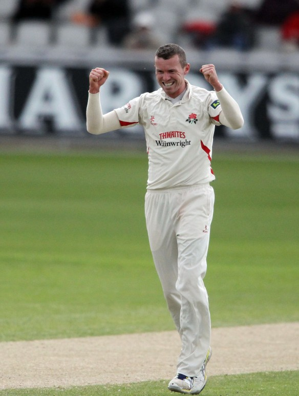 LANCASHIRE COUNTY CRICKET CLUB Emirates Old Trafford LV= County Championship LANCS V GLOUCESTERSHIRE 12/05/15 Day3 peter Siddle bowling takes the wicket of Roderick LBW