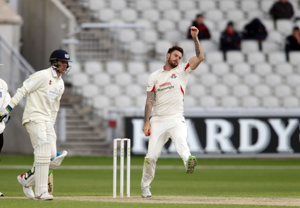 LANCASHIRE COUNTY CRICKET CLUB Emirates Old Trafford LV= County Championship LANCS V GLOUCESTERSHIRE 12/05/15 Day3 Jordan Clark bowling