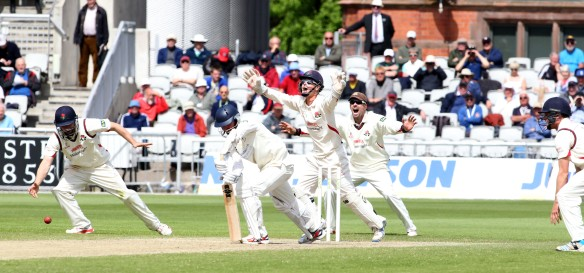 LANCASHIRE COUNTY CRICKET CLUB Emirates Old Trafford LV= County Championship LANCS V GLOUCESTERSHIRE 13/05/15 Day4 Smith is out LBW to Simon Kerrigan