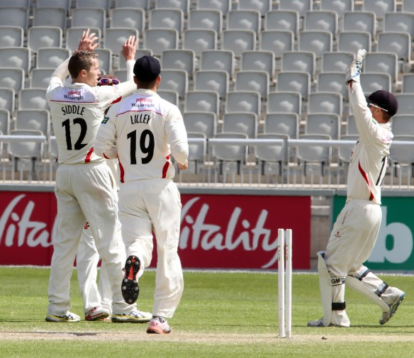 LANCASHIRE COUNTY CRICKET CLUB Emirates Old Trafford LV= County Championship LANCS V GLOUCESTERSHIRE 13/05/15 Day4 Payne is bowled by Peter Siddle