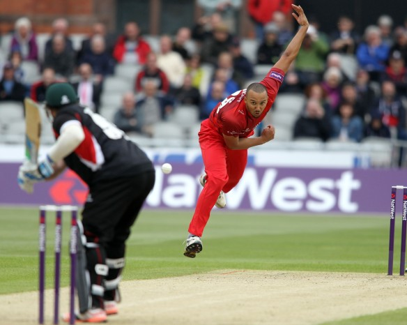 LANCASHIRE COUNTY CRICKET CLUB Emirates Old Trafford NatWest t20 Blast, North Group:  Lancashire Lightning v Leicestershire Foxes 15/05/15 George Edwards bowling