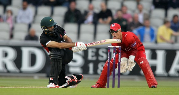 LANCASHIRE COUNTY CRICKET CLUB Emirates Old Trafford NatWest t20 Blast, North Group:  Lancashire Lightning v Leicestershire Foxes 15/05/15 KJ O'Brien sweeps