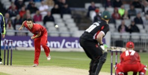 LANCASHIRE COUNTY CRICKET CLUB Emirates Old Trafford NatWest t20 Blast, North Group:  Lancashire Lightning v Leicestershire Foxes 15/05/15 Stephen Parry bowling
