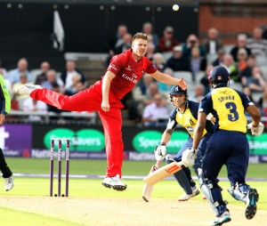 LANCASHIRE COUNTY CRICKET CLUB Emirates Old Trafford Lancashire Lightning v Birmingham Bears Nat West t20 Blast 26/06/15 James Faulkner bowling
