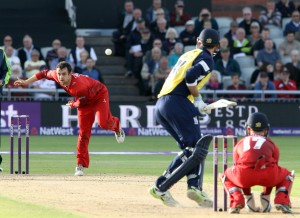 LANCASHIRE COUNTY CRICKET CLUB Emirates Old Trafford Lancashire Lightning v Birmingham Bears Nat West t20 Blast 26/06/15 Stephen Parry bowling