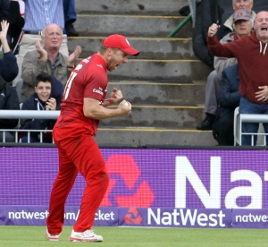 LANCASHIRE COUNTY CRICKET CLUB Emirates Old Trafford Lancashire Lightning v Birmingham Bears Nat West t20 Blast 26/06/15 croft catches mccullen