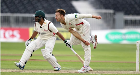 LANCASHIRE COUNTY CRICKET CLUB Emirates Old Trafford Lancashire v Leicestershire LV= County Championship Division Two, 14/06/15 Kyle Jarvis bowling
