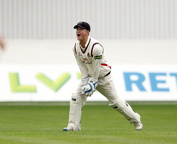 LANCASHIRE COUNTY CRICKET CLUB Emirates Old Trafford Lancashire v Leicestershire LV= County Championship Division Two, 14/06/15 Alex Davies takes the catch to dismiss Akmal