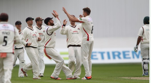 LANCASHIRE COUNTY CRICKET CLUB Emirates Old Trafford Lancashire v Leicestershire LV= County Championship Division Two, 14/06/15 Tom Bailey celebrates  Alex Davies takes the catch to dismiss Akmal