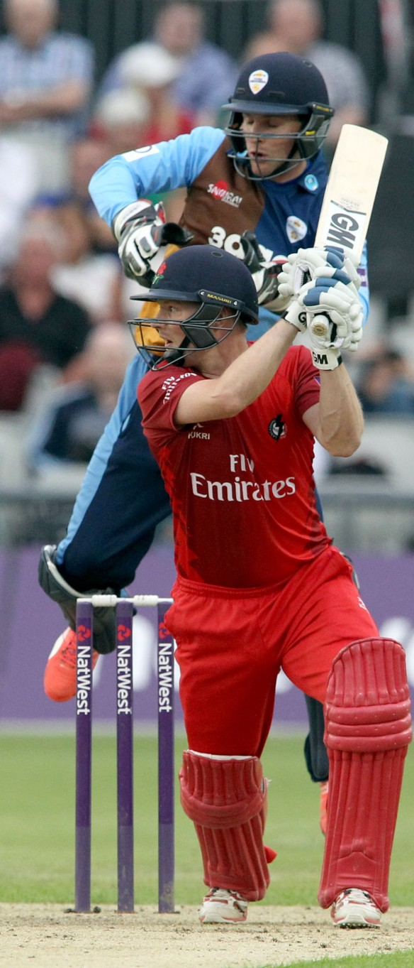 LANCASHIRE COUNTY CRICKET CLUB Emirates Old Trafford Lancashire Lightning v Derbyshire  Nat West t20 Blast 12/06/15 Karl Brown batting