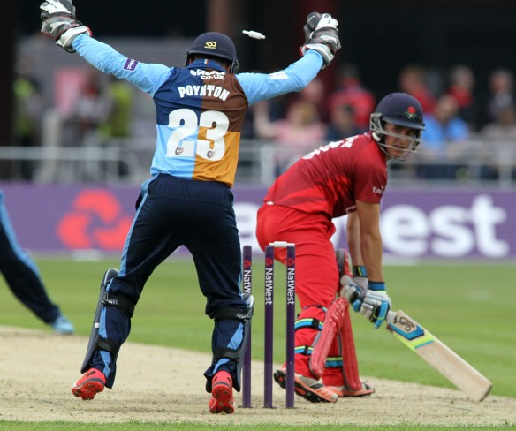 LANCASHIRE COUNTY CRICKET CLUB Emirates Old Trafford Lancashire Lightning v Derbyshire  Nat West t20 Blast 12/06/15 Liam Livingstone stumped