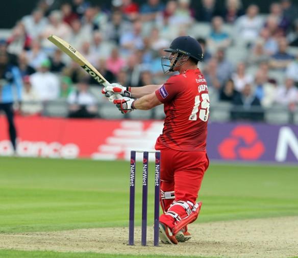 LANCASHIRE COUNTY CRICKET CLUB Emirates Old Trafford Lancashire Lightning v Derbyshire  Nat West t20 Blast 12/06/15 Steven Croft batting