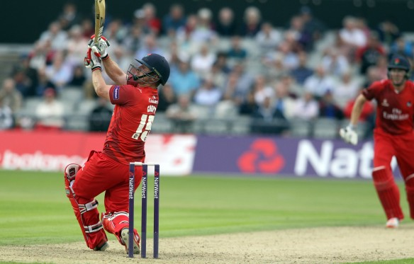 LANCASHIRE COUNTY CRICKET CLUB Emirates Old Trafford Lancashire Lightning v Derbyshire  Nat West t20 Blast 12/06/15 Steven Croft  batting