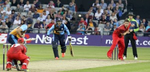 LANCASHIRE COUNTY CRICKET CLUB Emirates Old Trafford Lancashire Lightning v Derbyshire  Nat West t20 Blast 12/06/15 Steven Croft bowling