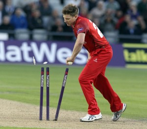 LANCASHIRE COUNTY CRICKET CLUB Emirates Old Trafford Lancashire Lightning v Worcestershire Rapids Nat West t20 Blast 18/06/15 Barnard is run out