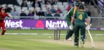 LANCASHIRE COUNTY CRICKET CLUB Emirates Old Trafford Lancashire Lightning v Nottinghamshire Outlaws Nat West t20 Blast 15/07/15 Christian is bowled by James Faulkner