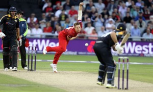 LANCASHIRE COUNTY CRICKET CLUB Emirates Old Trafford Lancashire Lightning v Yorkshire Vikings Nat West t20 Blast 03/07/15 Kyle Jarvis