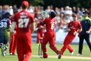 KENT COUNTY CRICKET CLUB t20 blast Quarter final Kent v Lancashire 15/08/15 Jos Buttler takes the catch to dismiss Billings