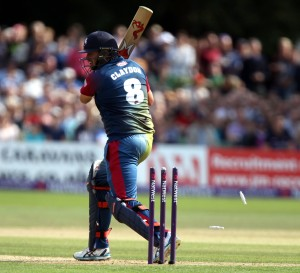 KENT COUNTY CRICKET CLUB t20 blast Quarter final Kent v Lancashire 15/08/15 James Faulkner bowls Claydon