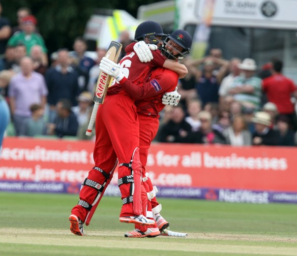 KENT COUNTY CRICKET CLUB t20 blast Quarter final Kent v Lancashire  15/08/15 arron Lilley and James Faulkner  celebrates their win