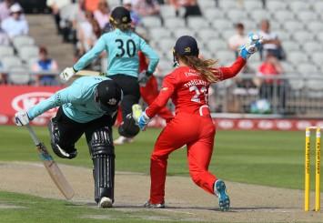 thunder v surrey 1st innings-pdiphotoandfilm11